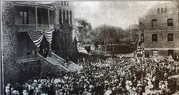 President Theodore Roosevelt visits Arizona to Speak about the Hoover Dam